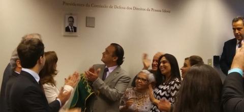 Roberto de Lucena recebe homenagem na Comissão do Idoso