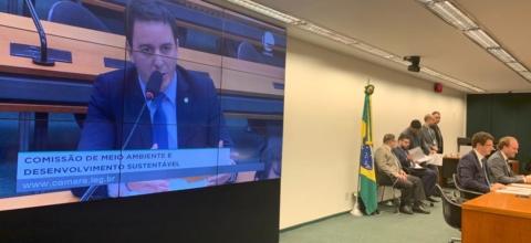 Célio Studart cobra de ministro promessa de criação de secretaria em prol dos animais